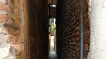 la calle più stretta di venezia