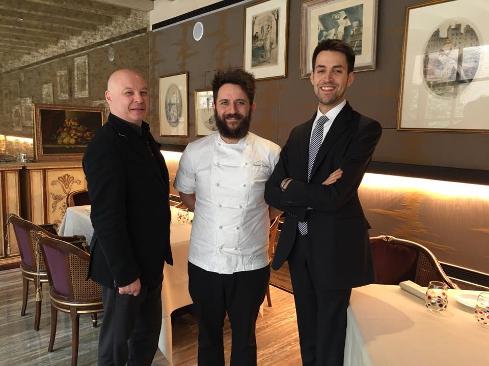 Da dx il Direttore Danilo Bernardi, lo chef Donato Ascani e Valentino Borgia DJ